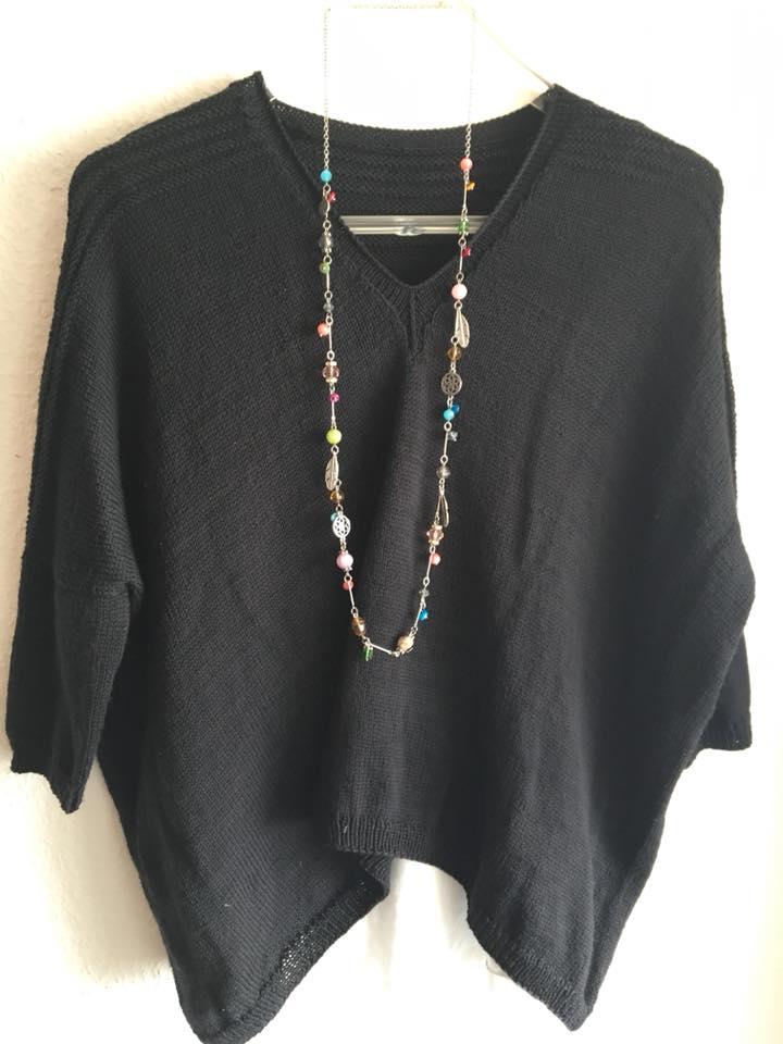 V-Neck Boxy aus Merino Wolle
